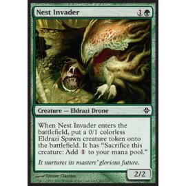 Nest Invader FOIL (Rise of the Eldrazi) [EX]